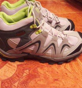 Новые демисезонные мужские кроссовки