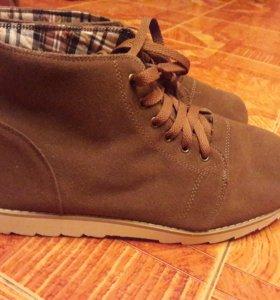 Новые демисезонные мужские ботинки