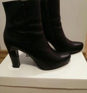 Ботинки женские 37 р-р