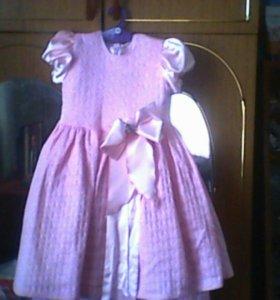 Продам платье на 4-6 лет