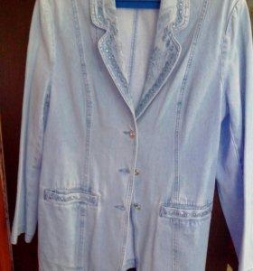 Джинсовый удлиненный пиджак женский