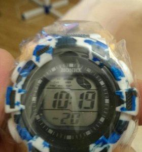 Новые,светодиодные часы
