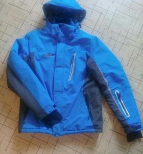 Куртка спортивная Salomon.