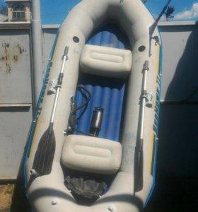 Лодка большая 300 кг