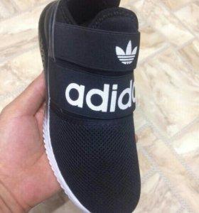 Новые кроссовки, 40 р