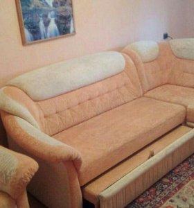 Мягкая мебель диван и кресло в идеальном состояние