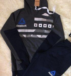 Спортивный костюм унисекс фирмы reebok(оригинал)