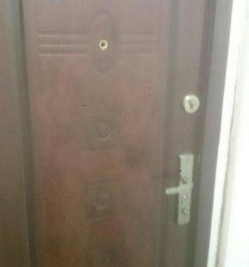Продам дверь медведь