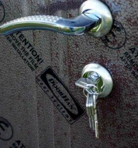 Новая, не Б/У металлическая дверь.