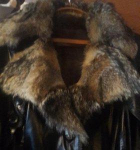 Зимний женский кожаный плащ