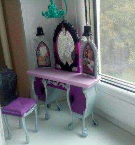 Туалетный столик для кукол,б/у