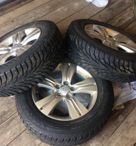 Три зимних колёса на спордейдж