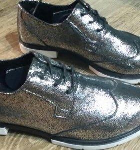 Классные новые туфли из натуральной кожи