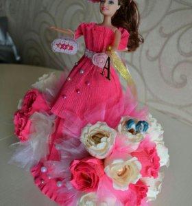 Кукла из конфет
