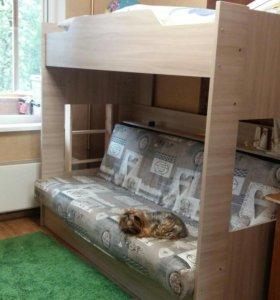 Двухъярусная диван-кровать.