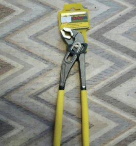 Плоскогубцы регулируемые 250 мм