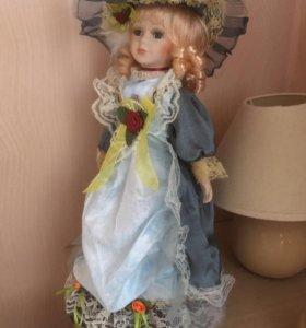 Форфоровая кукла