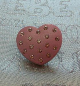 Эксклюзивная брошь «Сердце» с сияющими кристаллами