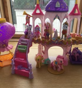 Замок My Little Pony.