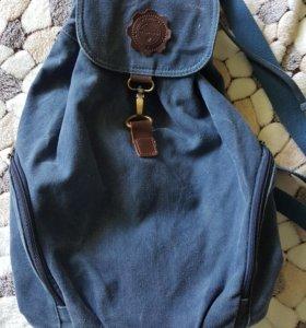 Рюкзак с множеством отделений