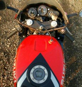Мотоцикл SUZUKI GSX R 400 RN