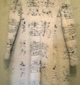 Пальто в японском стиле из искуств меха демисезон
