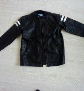 Куртка на мальчика 11-12 лет новая