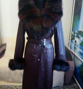 Пальто кожаное с капюшоном зима, весна, осень