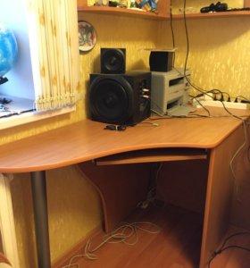 2 Угловых компьютерных стола