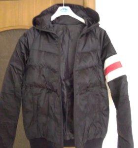 Куртка - пуховик женская р. 46 -48