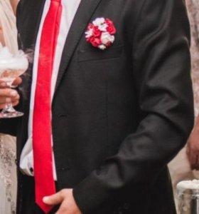 Красивый мужской костюм р-р 48-52