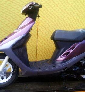 Скутер Honda Dio AF27 с двигателем 49 куб. см