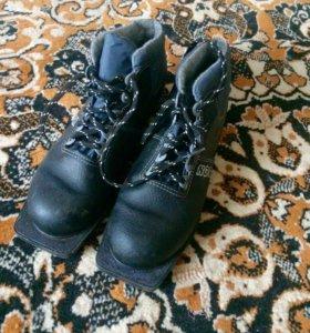 Лыжные ботинки 41р