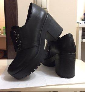 Продам ботинки женские 38 р-р