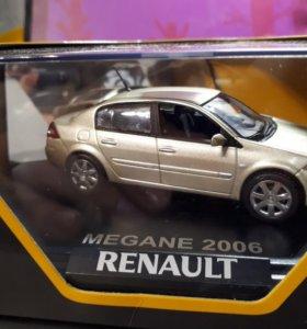 Коллекционная машинка Renault Megane