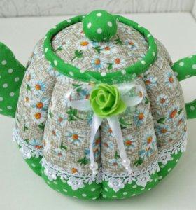 Чайник-шкатулка с красивым рисунком