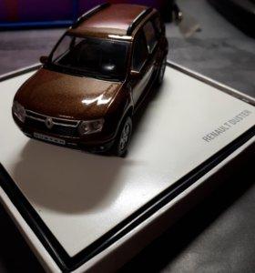 Коллекционная машинка Renault Duster