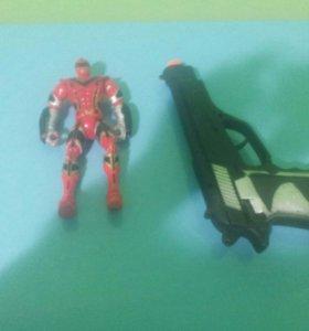 Ренджер и пистолет