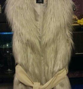 Меховая жилетка Oogji