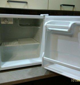 "Холодильник ""Daewoo fr061a"""