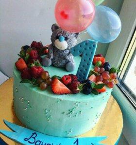 Торты с цветами и ягодами