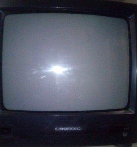Телевизор Grundig.Диагональ 14.