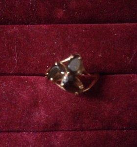 Кольцо золото раух-топаз 16,5