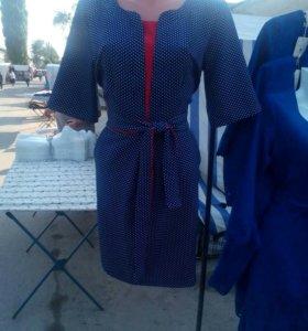 Платье синее горох