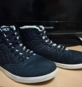 Теплые кроссовки, 38 размер