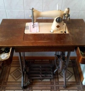Швейная машина (Винтажная) ПМЗ 1956 г.в.