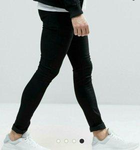 Ультразауженные черные джинсы скинни