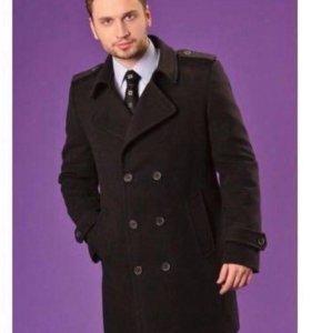 Продаю мужское пальто