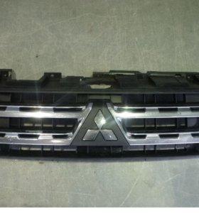 Решетка радиатора для Mitsubishi Pajero 4