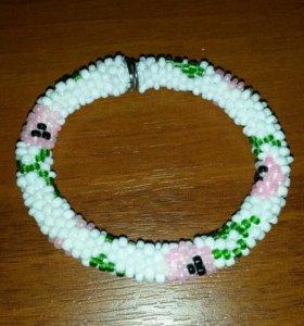 Красивые браслеты-жгуты из бисера,связаны крючком!